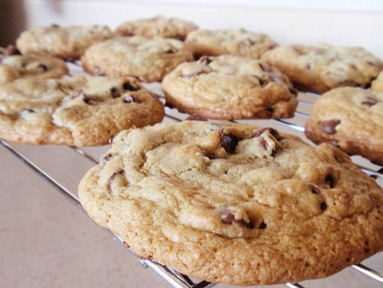 How to make thick chewy chocolate chip cookies