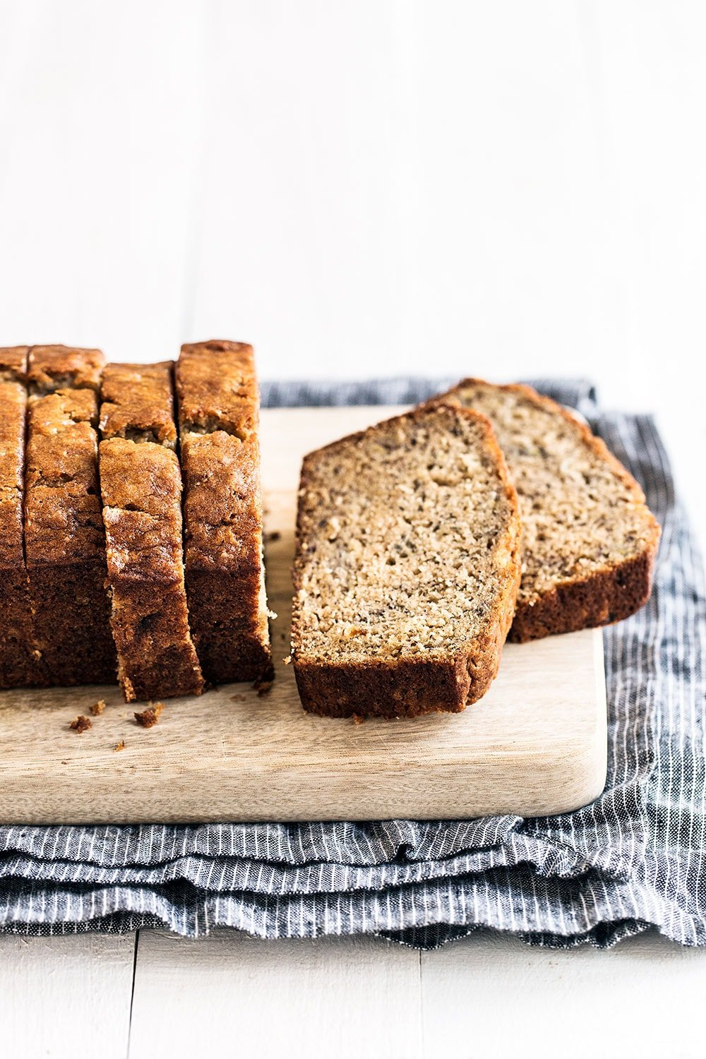 Family friendly banana bread recipe everyone will love!