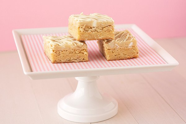 White Choc Mac Blondies