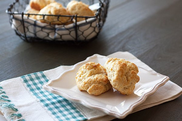 Quick and Easy Buttermilk Biscuits
