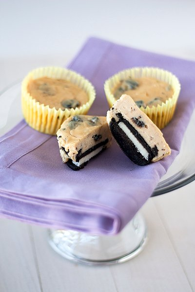 Oreo & Peanut Butter Cheesecake Cupcakes