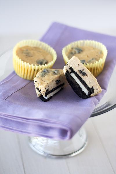 Peanut Butter & Oreo Cheesecake Cupcakes