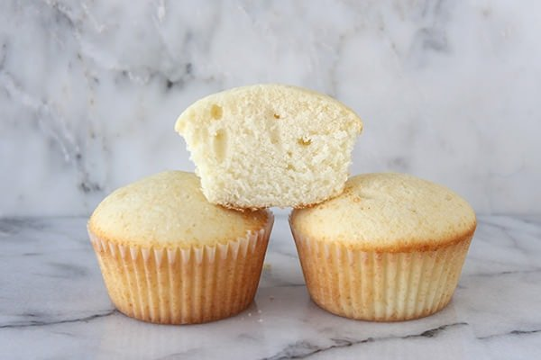 The Ultimate Cupcake Guide: Cake Flour