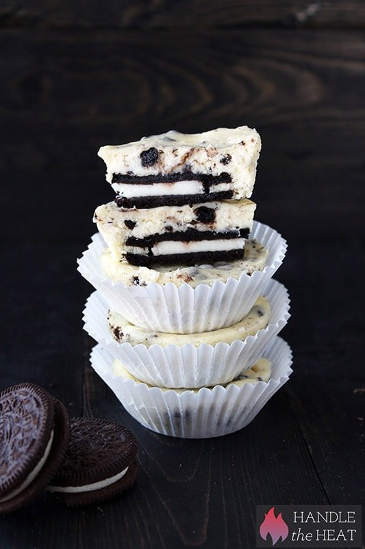 Cookies and Cream Cheesecake Cupcakes