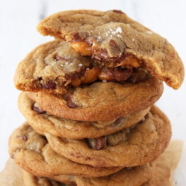 Salted Caramel Milk Chocolate Chip Cookies - Handle the Heat