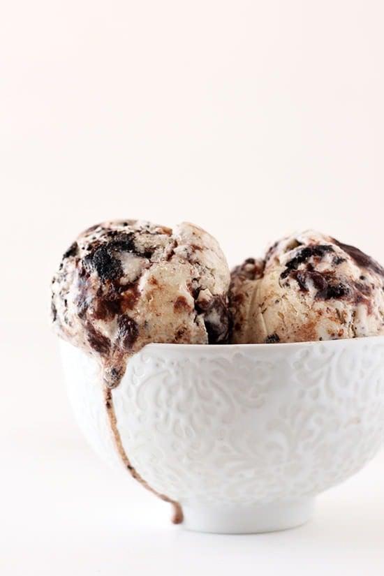 Cookies & Cream Fudge Swirl Ice Cream