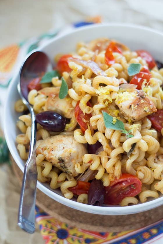 20 Minute Greek Pasta with Chicken Recipe