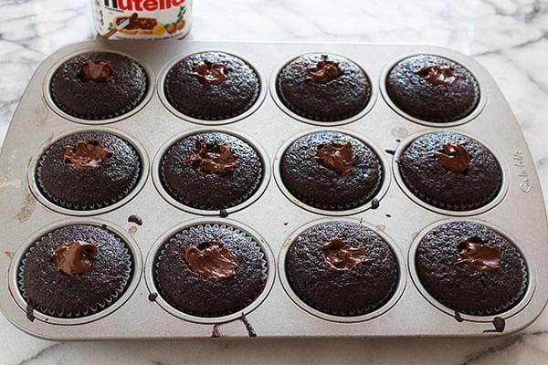 Nutella stuffed chocolate raspberry cupcakes 02