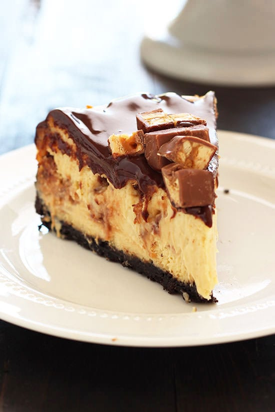 Snickers Cheesecake Handle The Heat