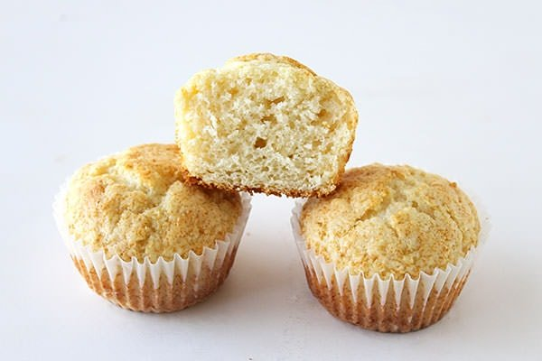 Ultimate Guide to Muffins - Start off your muffins at a high temperature then drop it for beautiful tall muffins!