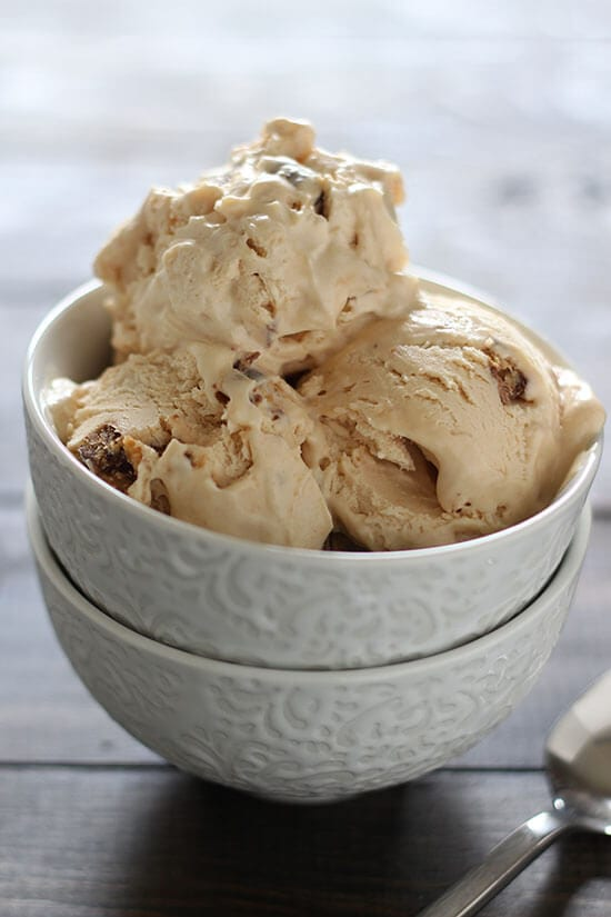 No churn peanut butter cup ice cream - just 5 ingredients!