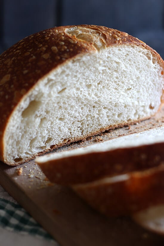 How to make sourdough bread - a COMPLETE guide! Must pin.