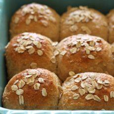 Whole Grain Oat Rolls