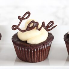 Easy Chocolate Cupcake Decorating
