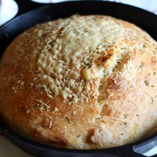 No Knead Rosemary Parmesan Skillet Bread