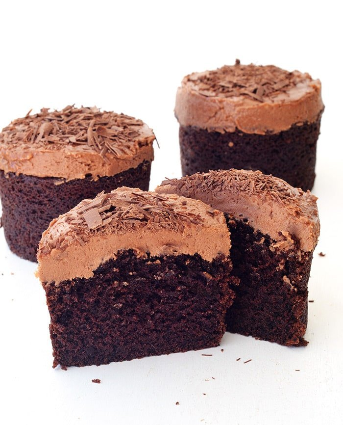 Mini Sour Cream Chocolate Cakes