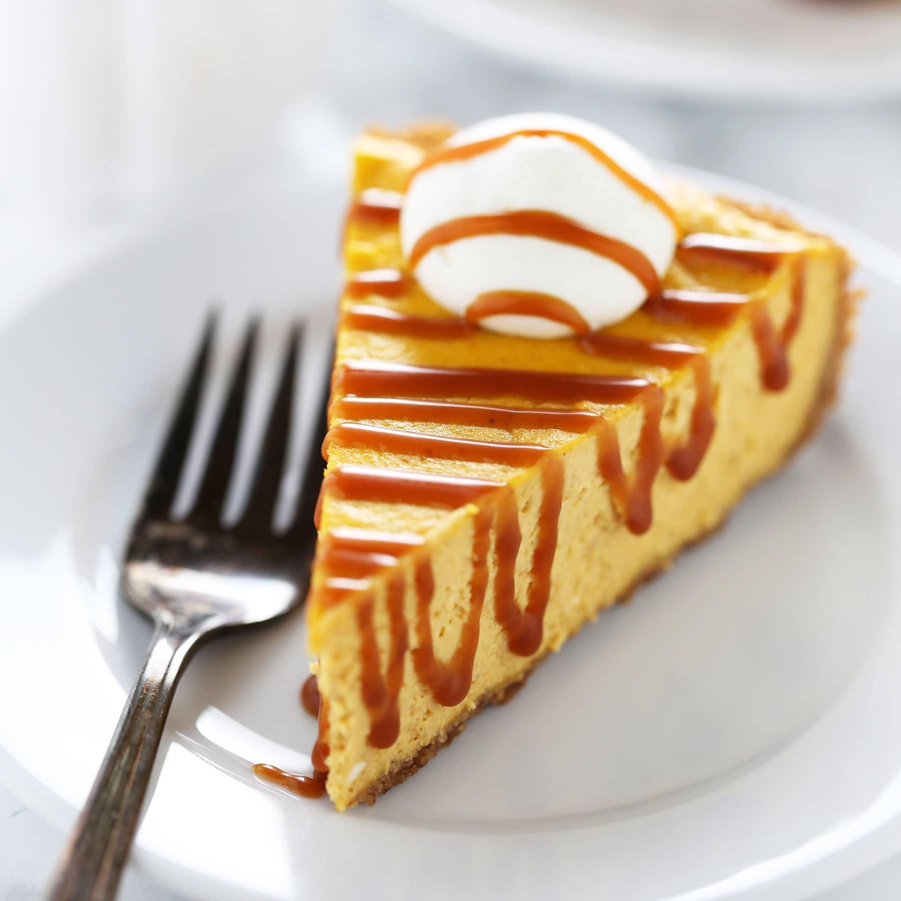 Salted Caramel Pumpkin Cheesecake is SO MUCH better than boring pumpkin pie!!