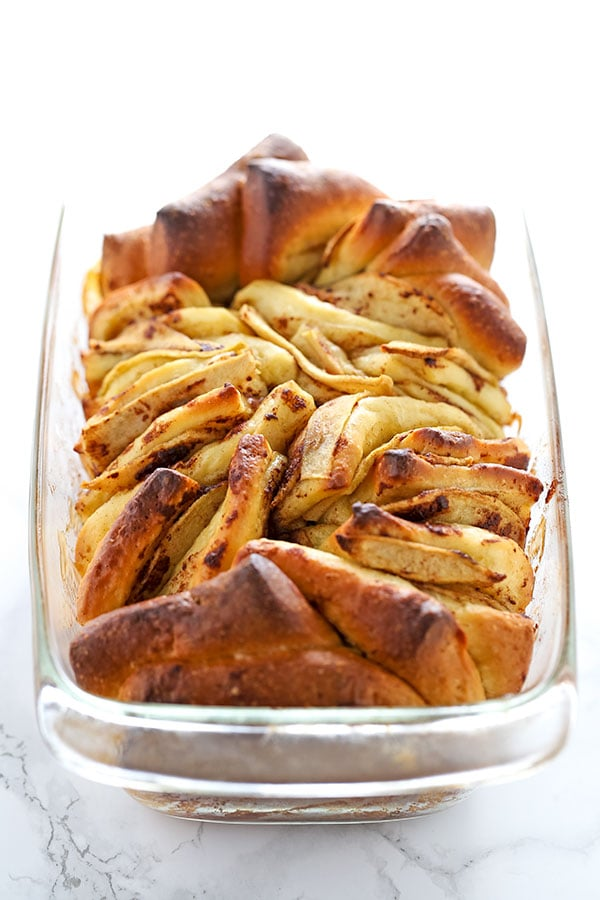 Apple Pie Pull Apart Loaf, aka the most SCRUMPTIOUS fall dessert there ever was!! We inhaled this!