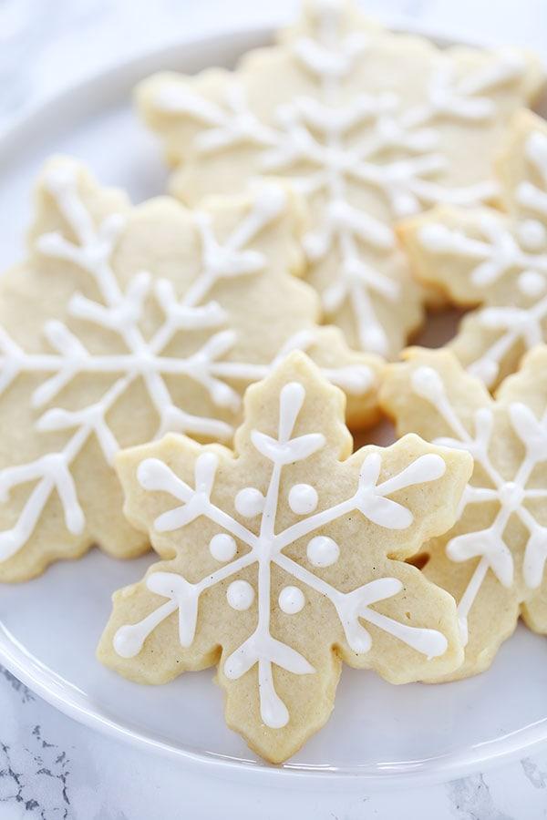How to Make Easy Snowflake Sugar Cookies