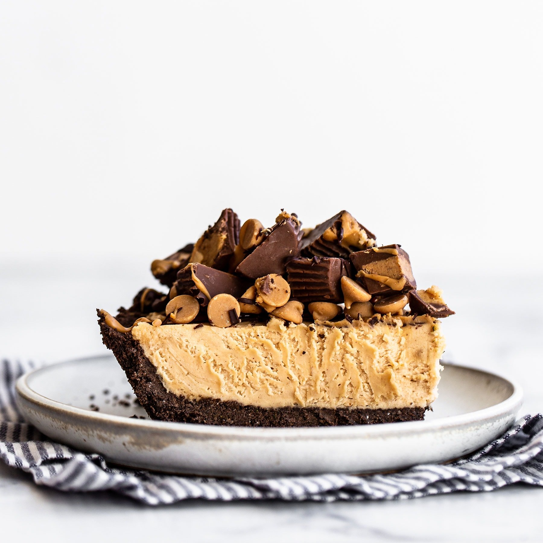 [Image: Homemade-Peanut-Butter-Pie-SQUARE.jpg]