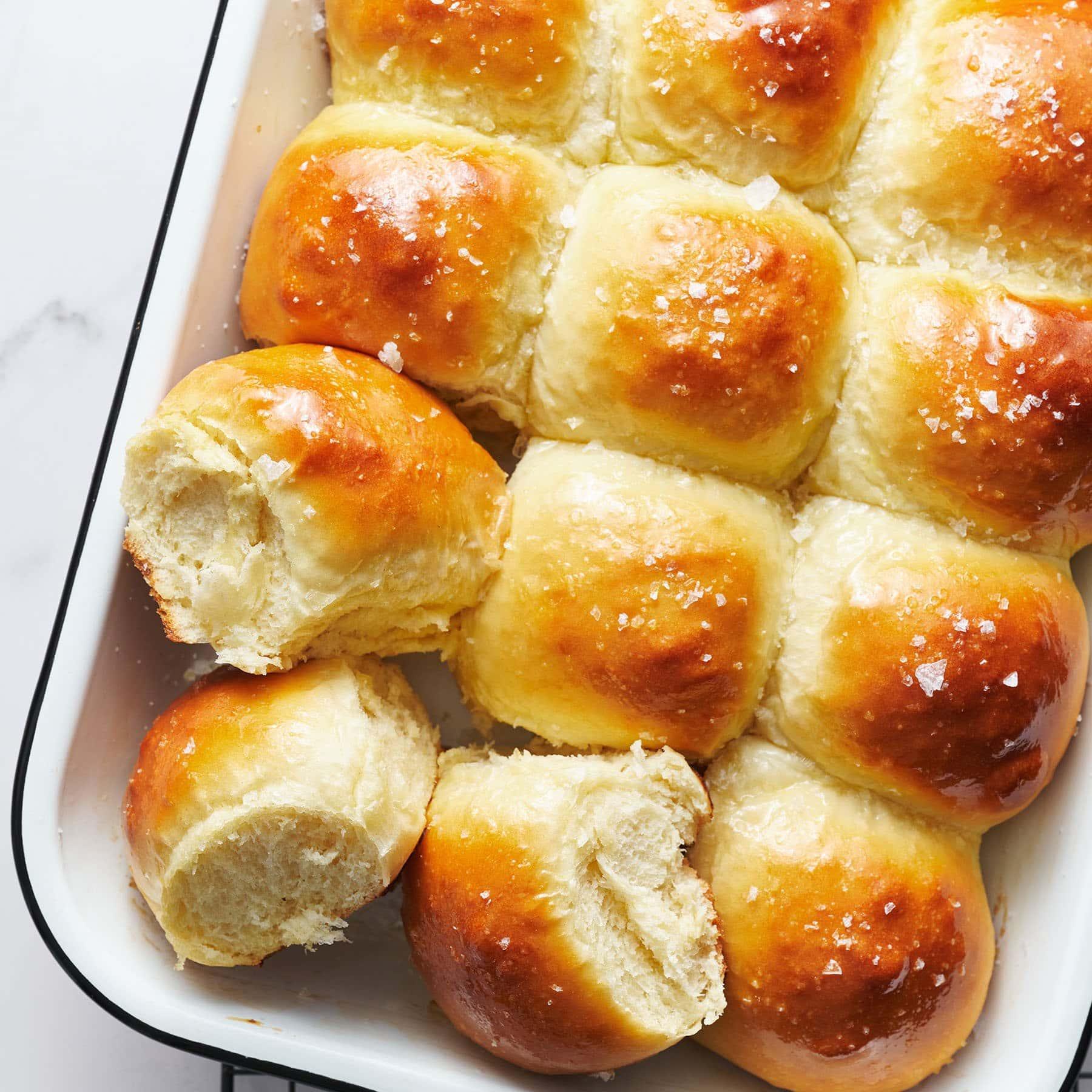easy homemade dinner rolls recipe
