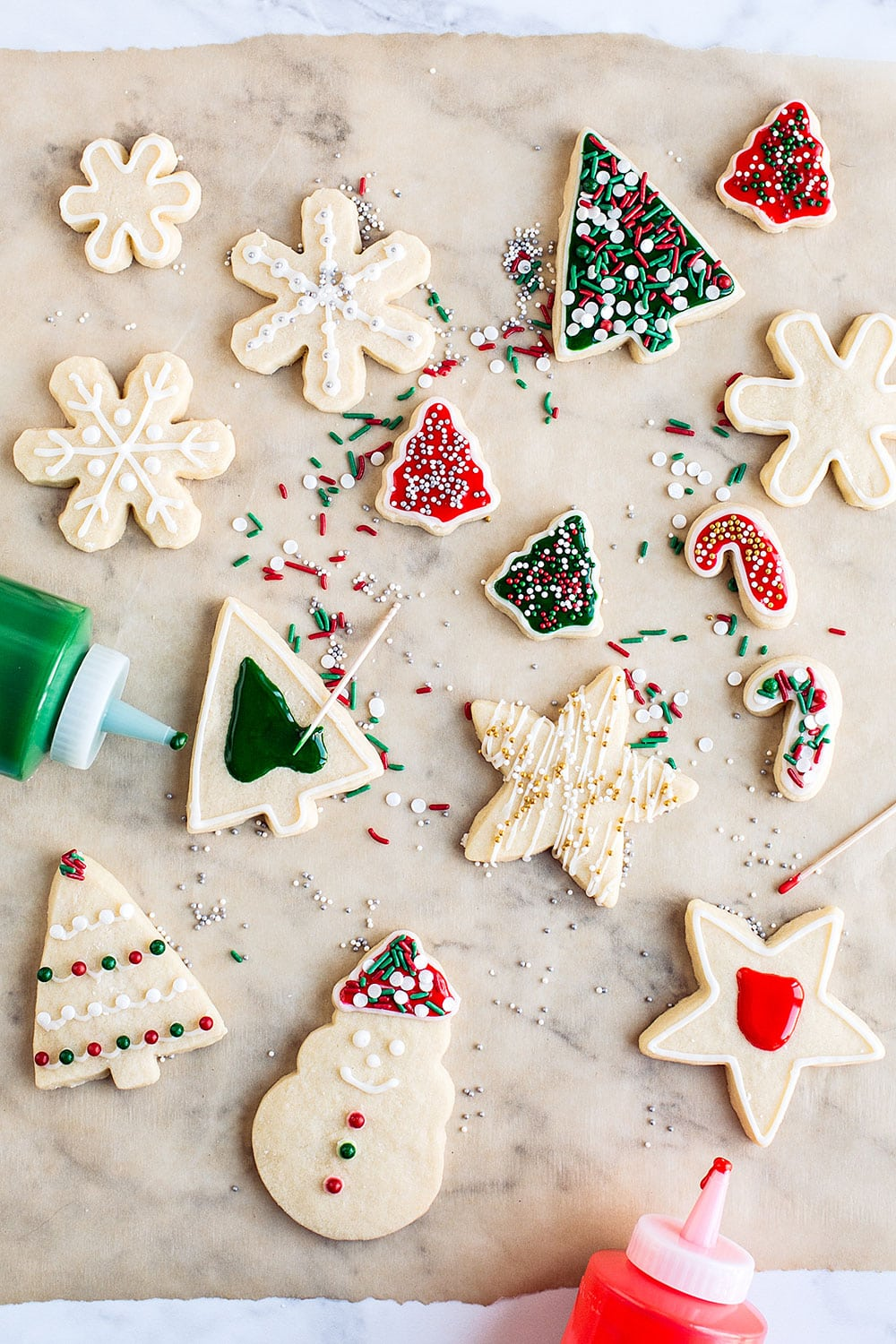 Easy Christmas Sugar Cookie Recipe - they hold their shape and the dough is a dream to work with!