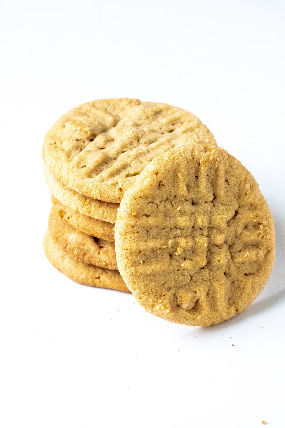 EASY crunchy peanut butter cookies