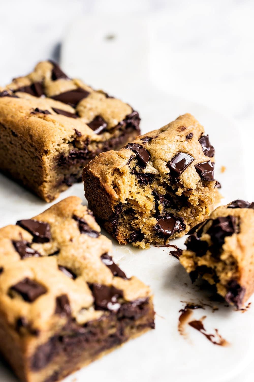 Peanut-Butter-Chocolate-Chunk-Bars-04 (1)