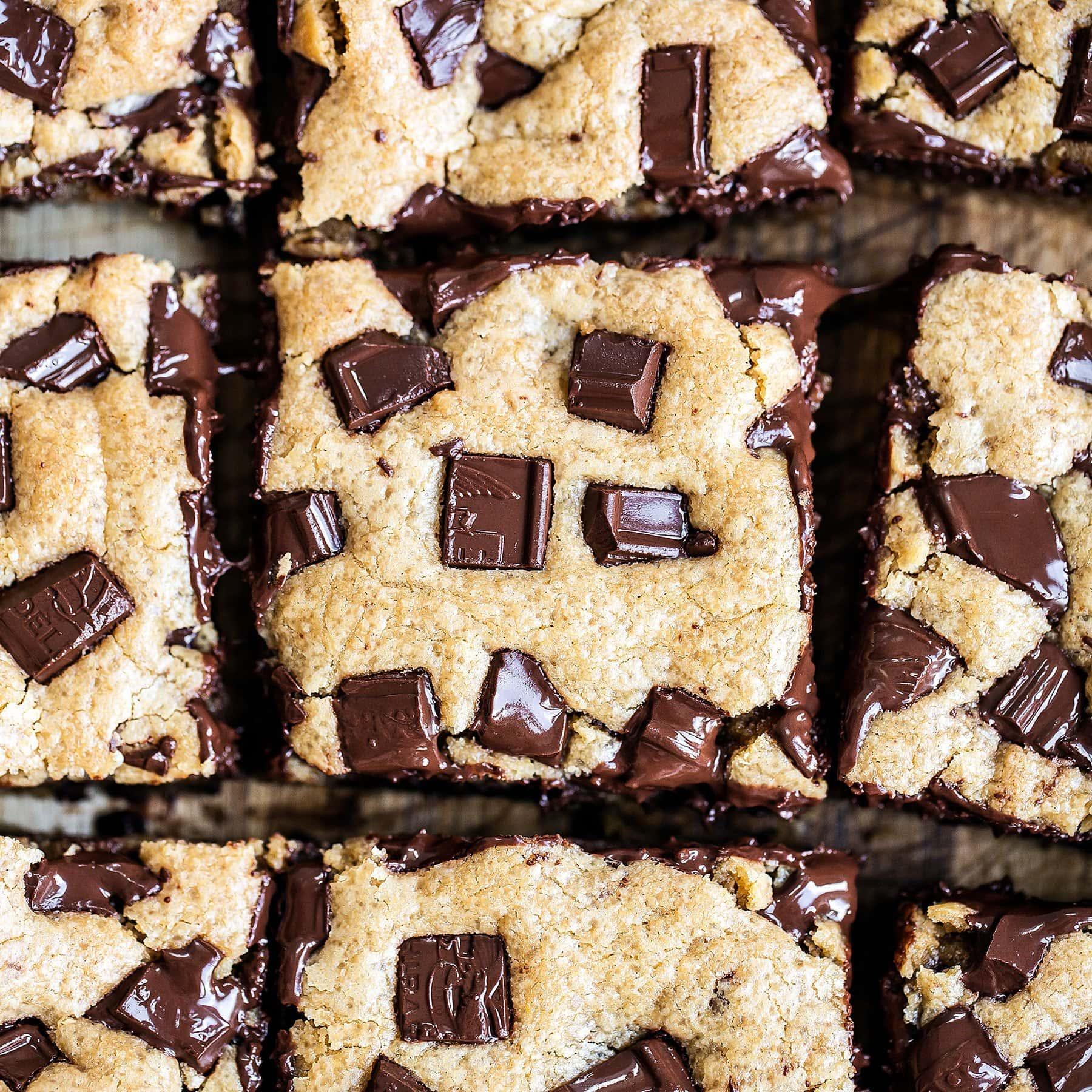 Ooey gooey peanut butter chocolate chunk cookie bars blondies