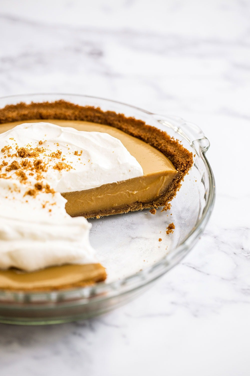Homemade Butterscotch Pudding Pie - no pastry involved! Perfect for Thanksgiving.