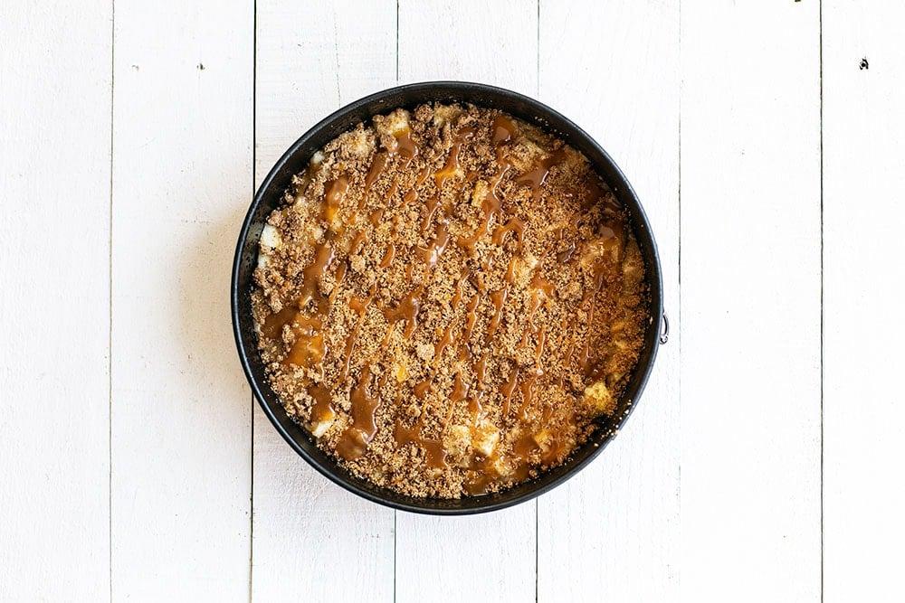 Layer of caramel brown sugar streusel over cake batter