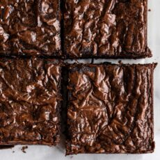 How to Make Brownies with Shiny Thin Crust